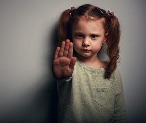 Physische oder psychische Gewalt gegenüber Kindern ist verboten. (#1)