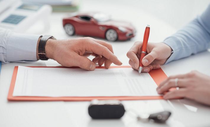 Ein Personenschaden kann in die Millionenhöhe gehen, zumal hier auch noch das Thema der Vermögensschäden auf den Tisch kommt. Wer eine Haftpflichtversicherung vorweisen kann, ist zumindest finanziell gut dran. (#02)
