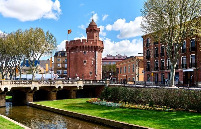 Perpignan, mit seiner wunderschönen Burg, ist die südlichste Stadt Frankreichs. (#3)