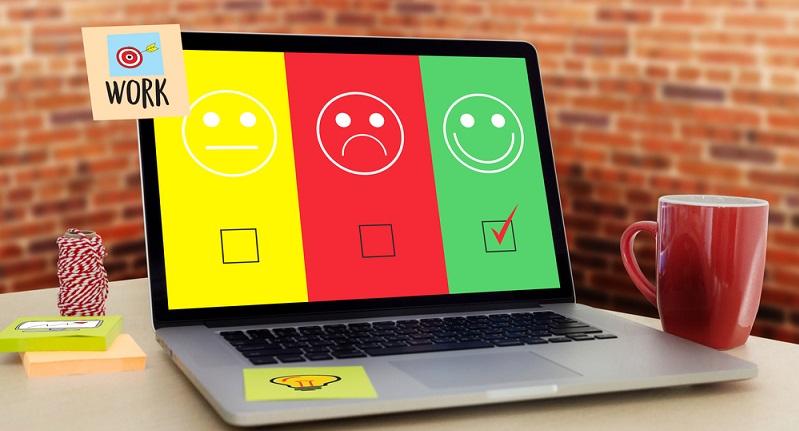 Eine negative Bewertung im Internet kann für einen Händler schädigend sein. Denn viele User informieren sich in Bewertungsportalen über ein Produkt. (#01)