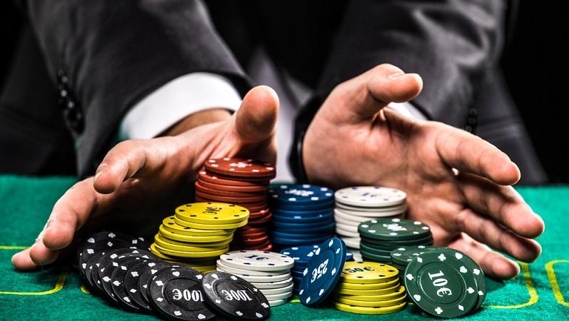 Die neuen Casinos und Spielbanken in der Sonderverwaltungszone der Krim-Halbinsel sollen bereits ab dem Jahr 2019 den Betrieb aufnehmen. Das bestätigte bereits der Präsident der umstrittenen Republik Krim, Sergej Aksyonow. (#01)
