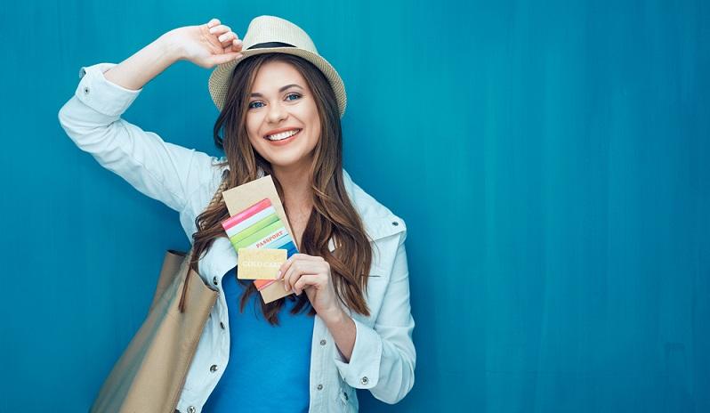 Ein neuer Reisepass muss nicht gleich angeschafft werden, wenn man noch über ein altes, aber noch laufendes Dokument verfügt. Die alten Pässe gelten nämlich noch bis zu ihrem Ablaufdatum. (#01)