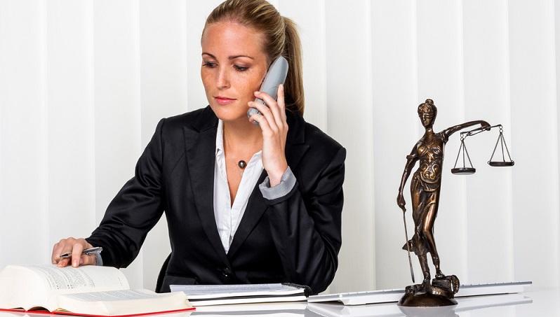 Bei den Mitarbeitern auf mittlerer und unterer Ebene sollte immer darauf geachtet werden, dass die Mehrstunden ausgeglichen werden. (#03)