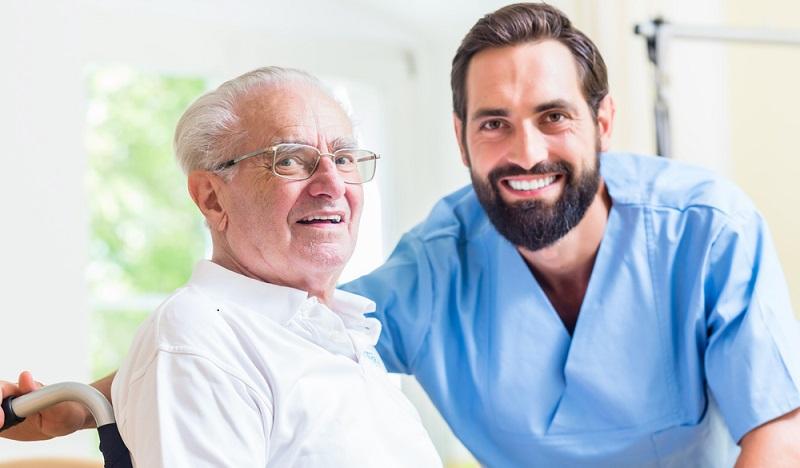 Auch in den Pflegeheimen und bei der Übergangspflege wird die Versorgung der Pflegebedürftigen optimiert. (#02)