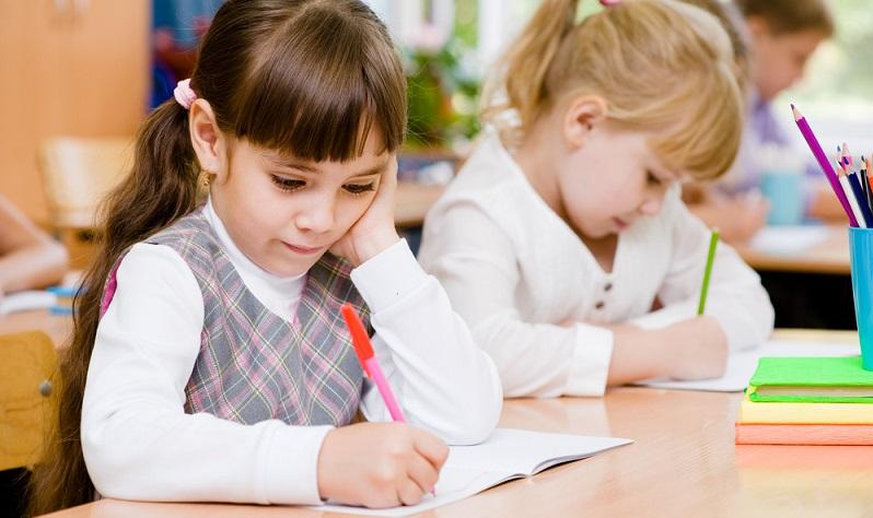 Einen Schulplatz sollte man im Prinzip nicht einklagen müssen. Alle schulpflichtigen Kinder haben ein Recht auf einen Grundschulplatz in der Nähe des Wohnortes. (#01)
