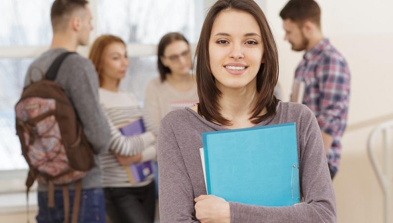 Wenn das gewünschte Studium abgelehnt wird, kann man seinen Studienplatz einklagen. Doch wie geht man dabei vor und wie stehen die Chancen in einem solchen Fall? (#01)