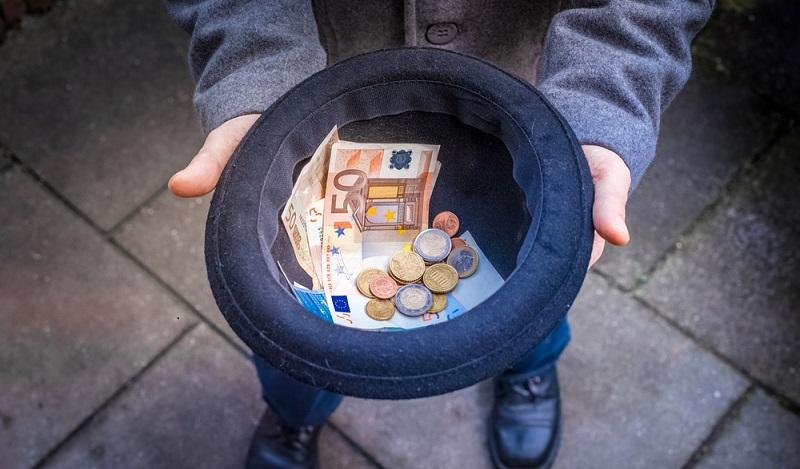 Grundsätzlich darf heute jeder Geld sammeln, denn die juristischen Bestimmungen wurden vor einigen Jahren stark vereinfacht. (#01)