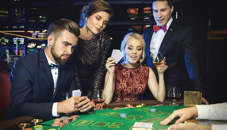 Wer ins Glücksspielgeschäft einsteigen möchte, kann auch ein Spielcasino oder eine Spielhalle eröffnen. (#03)