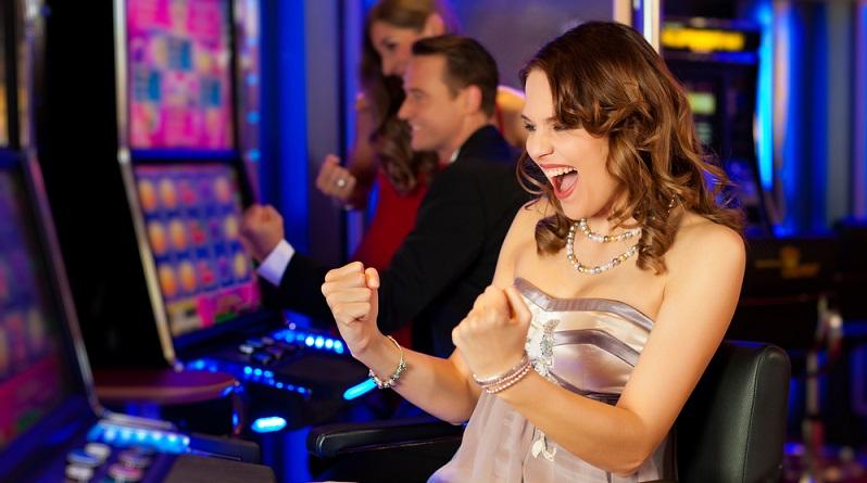 Glücksspiele sind unter die Dienstleistungsfreizügigkeit der EU zu zählen und können damit nicht ohne triftigen Grund verweigert werden. (#01)