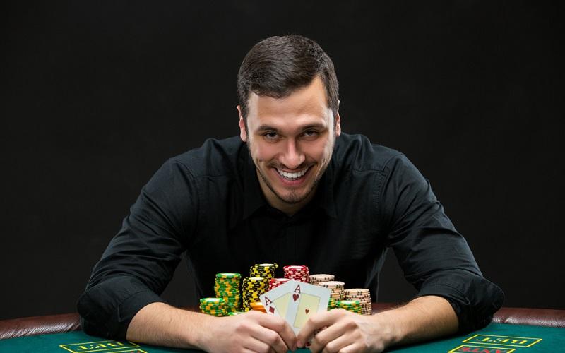 Poker, Bingo oder Wetten beim Fußball müssen einen juristisch sauberen Hintergrund haben. (#2)