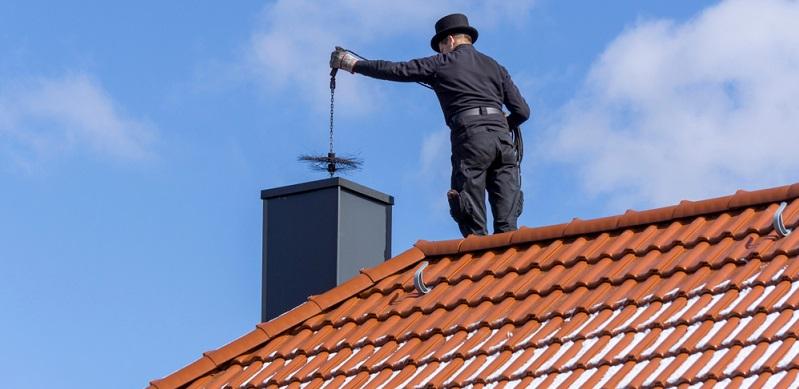 Die Einhaltung der Grenzwerte wird über eine Typenprüfung aller neuen Einzelraumfeuerungsanlagen geregelt. (#03)
