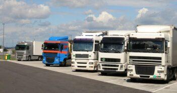 Ruhe und Lenkzeiten: Parkplatzmangel fördert riskantes Parkverhalten