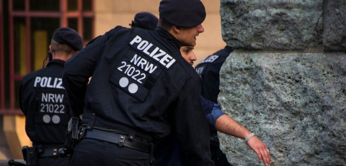 Polizei Köln: Schießerei, 1 Verletzter! (Video) (Foto: shutterstock - Pradeep Thomas Thundiyil)