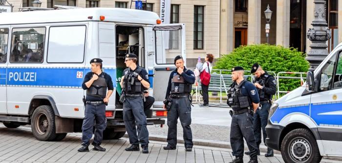 Berlin Polizei: dein Freund und Helfer (Foto: shutterstock - frantic00)