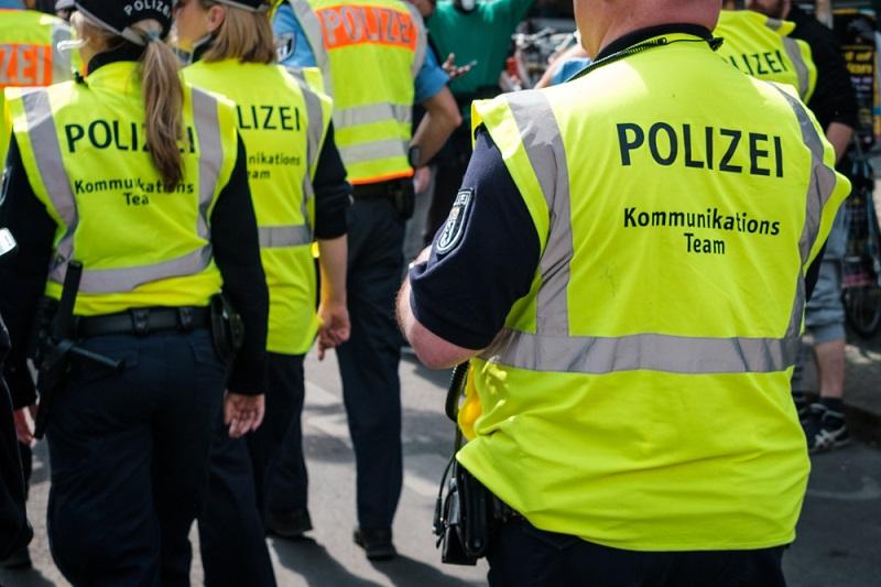 Es gibt verschiedenste Teams innerhalb der Polizei Hamburg und jedes davon hat seine individuellen Aufgaben. (#02)