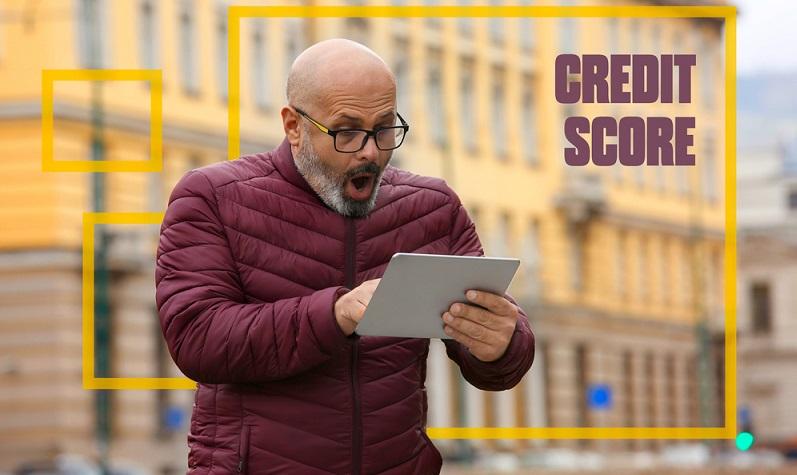 Jeder Bürger hat nach § 34 BDSG das Recht darauf, die zu seiner Person gesammelten Daten einzusehen. ( Foto: Shutterstock-Marta Design)
