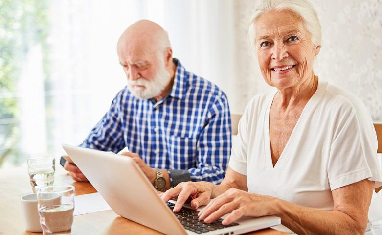 Zu finden ist die Beitragsbemessungsgrenze im Sozialversicherungsrecht. Sie bildet die Grundlage für die Berechnung der Beiträge zu den gesetzlichen Sozialversicherungen. ( Foto: Shutterstock- Robert Kneschke )